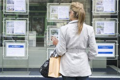 How You Can Use Estate Agent Displays When Buying Property?