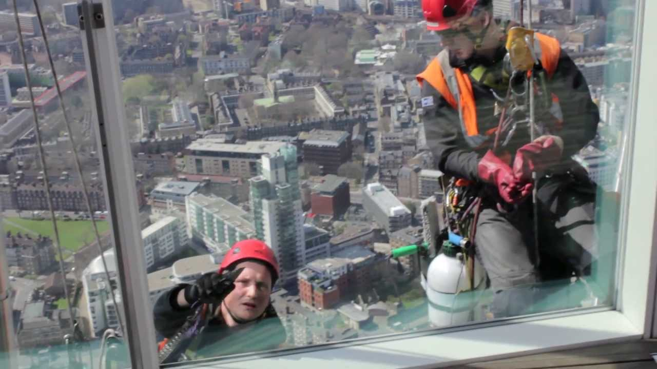 How To Ensure That You Have The Best Window Cleaners At Work?