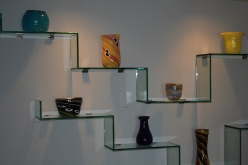 Get These Functional and Sleek Glass Shelving Designs For Stylish Home Décor