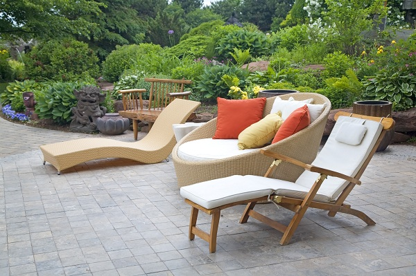 Outdoor Wicker Furniture…Choose Wisely