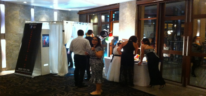 How A PhotoBooth Is A Fun For Bride And Groom?