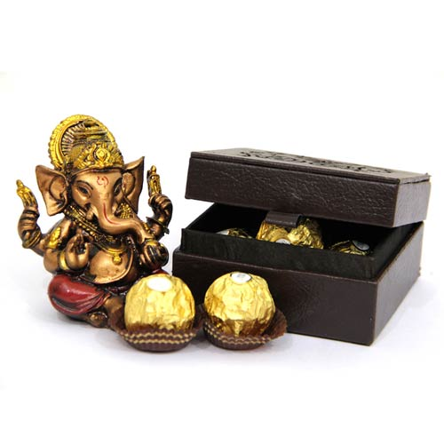Give A Morale Boost To Your Employees With Diwali Gifts This Year