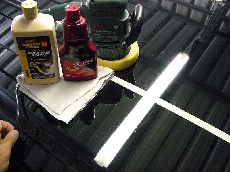 Use Car Wax For Black And White Cars